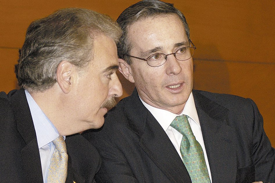 Former Colombian presidents Uribe and Pastrana