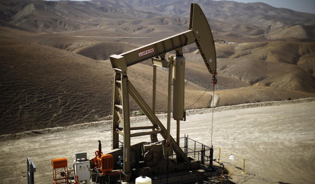 Oil fracking