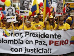 Colombians march for peace with justice