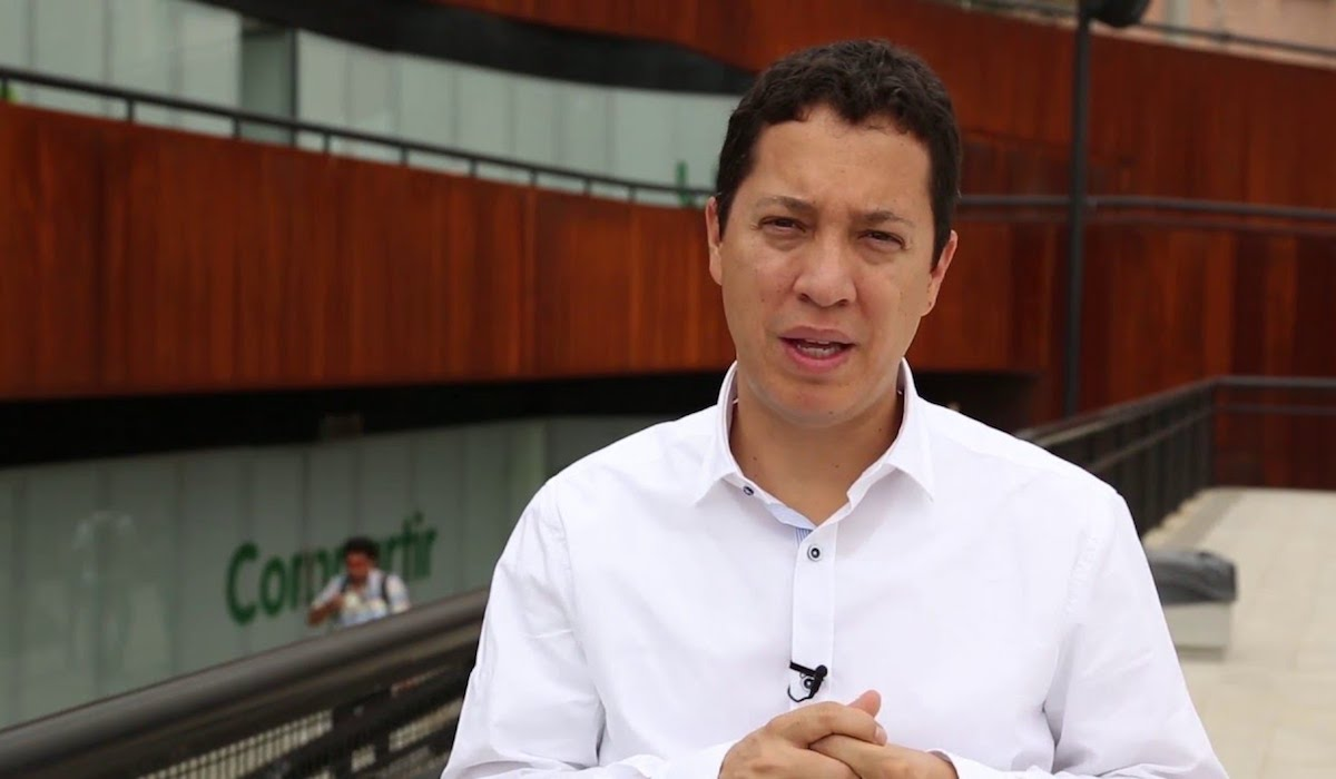 Colombia's Minister of Finance opts for roads, rather than for science, technology and innovation