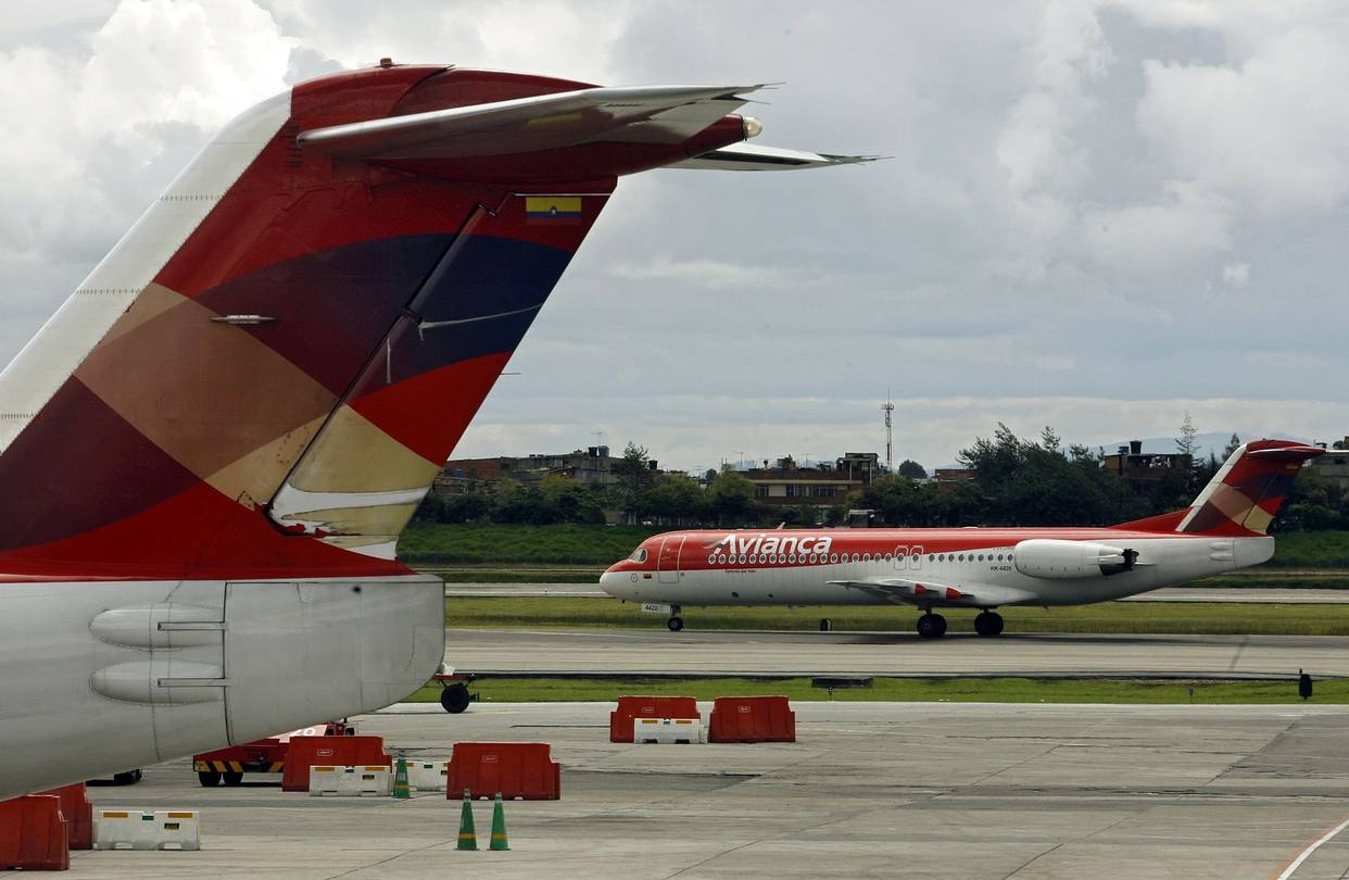 Avianca begins using foreign pilots for flights as strike by local pilots enters its third week