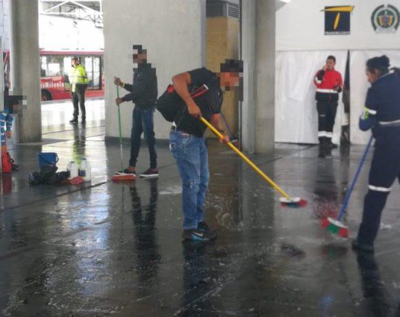 Transmilenio Fare Dodgers Bogota Colombia